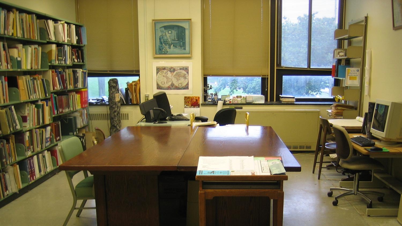 Reference & Circulation Desk